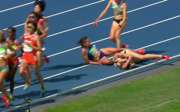 Nikki Hamblin and Abbey D'Agostino fall in 5000m Heat 2