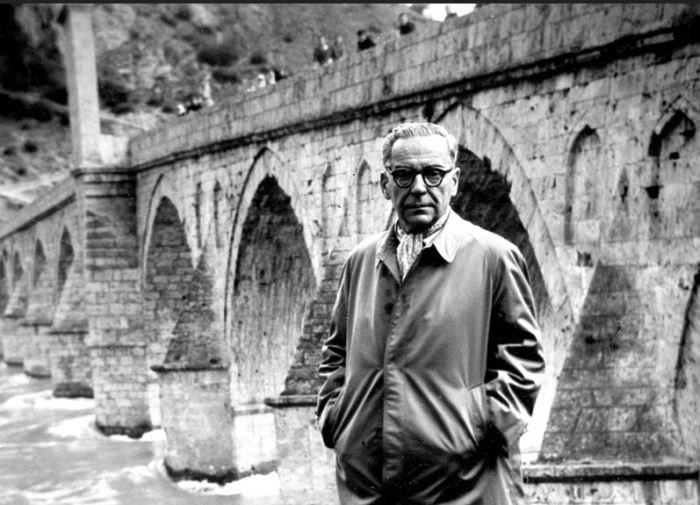 Ivo Andrić at Višegrad bridge