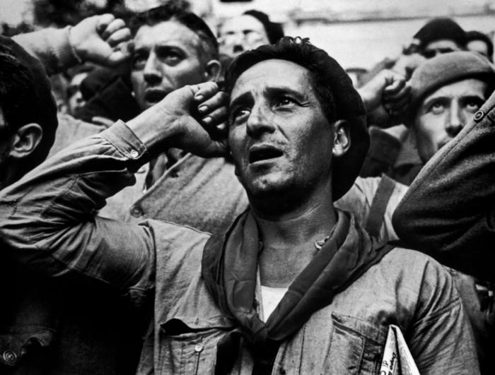 Robert Capa picture of Spanish civil war